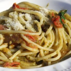 Spaghetti al Pomodoro e Pesto (Fresh Tomatoes)