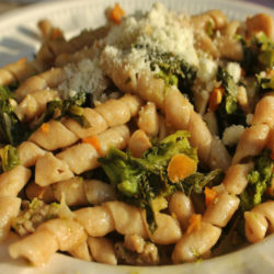 Busiate Integrali con Rapini e Salsiccia (Broccoli Rabe and Sausage)