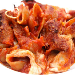 Conchiglie Integrale con Salsiccia e Mozzarella al Forno