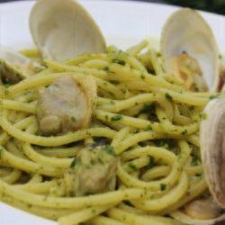 Spaghetti alle Vongole con Pesto (Clams)