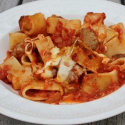Maccheroni con le Polpettine e Mozzarella al Forno (Meatballs)