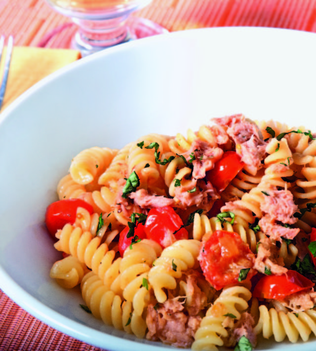 Fusilli con tonno e pomodorini tuna and cherry tomatoes Tuna and philadelphia pasta