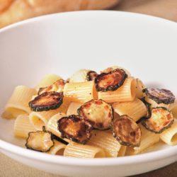 Mezza Rigatoni con Zucchini