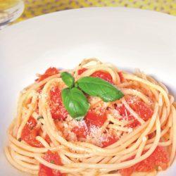 Spaghetti con Pomodoro e Basilico (Tomato and Basil)