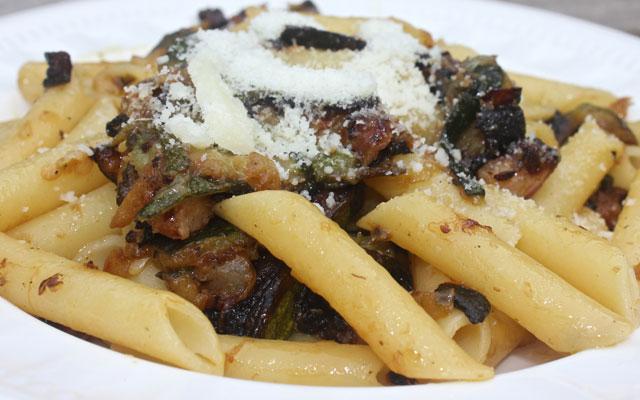 Penne con Zucchini e Pancetta