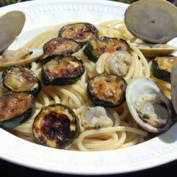 Spaghetti alle Vongole e Zucchine (Clams and Zucchini)